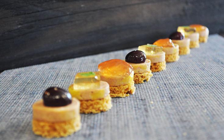 Mignardises de foie gras et gelée aux pommes