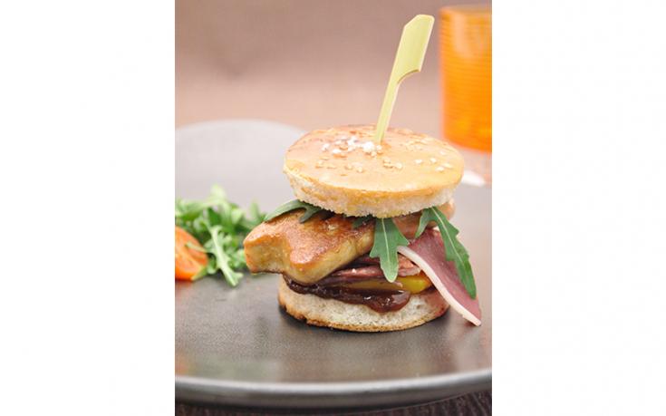 Mini burger de canard confit au foie gras de canard