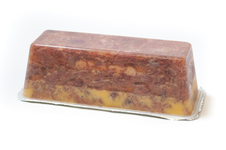 Terrine de confit et foie gras de canard en gelée d'Espelette